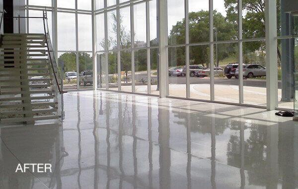 Glass like concrete